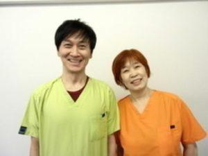 院長の山田達也と師匠の片平悦子先生